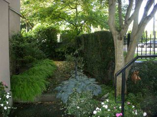 """Photo 10: 101 3790 W 7TH Avenue in Vancouver: Point Grey Condo for sale in """"THE CUMBERLAND"""" (Vancouver West)  : MLS®# R2114702"""