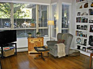 """Photo 17: 101 3790 W 7TH Avenue in Vancouver: Point Grey Condo for sale in """"THE CUMBERLAND"""" (Vancouver West)  : MLS®# R2114702"""