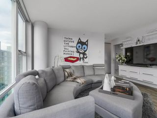 Photo 5: PH 3001 131 REGIMENT Square in Vancouver: Downtown VW Condo for sale (Vancouver West)  : MLS®# R2119062