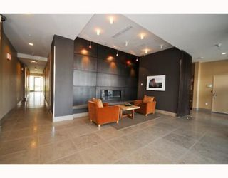 "Photo 17: 805 1833 CROWE Street in Vancouver: False Creek Condo for sale in ""THE FOUNDRY"" (Vancouver West)  : MLS®# R2120097"