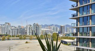 "Photo 6: 805 1833 CROWE Street in Vancouver: False Creek Condo for sale in ""THE FOUNDRY"" (Vancouver West)  : MLS®# R2120097"