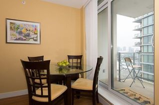 "Photo 4: 805 1833 CROWE Street in Vancouver: False Creek Condo for sale in ""THE FOUNDRY"" (Vancouver West)  : MLS®# R2120097"