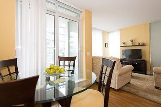 "Photo 2: 805 1833 CROWE Street in Vancouver: False Creek Condo for sale in ""THE FOUNDRY"" (Vancouver West)  : MLS®# R2120097"