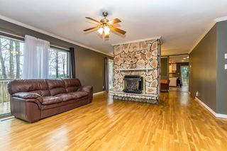 "Photo 3: 45385 WELLS Road in Sardis: Sardis West Vedder Rd House for sale in ""WELLS LANDING"" : MLS®# R2144094"