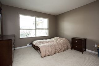 """Photo 6: 21 20350 68 Avenue in Langley: Willoughby Heights Townhouse for sale in """"SUNRIDGE"""" : MLS®# R2148091"""
