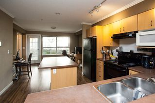 """Photo 5: 21 20350 68 Avenue in Langley: Willoughby Heights Townhouse for sale in """"SUNRIDGE"""" : MLS®# R2148091"""
