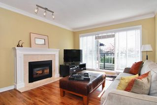 Photo 3: 203 833 W 16TH Avenue in Vancouver West: Home for sale : MLS®# 410459