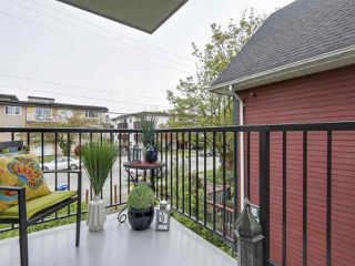 "Photo 10: 204 36 E 14 Avenue in Vancouver: Mount Pleasant VE Condo for sale in ""Rosemont Manor"" (Vancouver East)  : MLS®# R2166015"