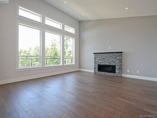Photo 2: 2035 Rivers Crossing in VICTORIA: Hi Bear Mountain Single Family Detached for sale (Highlands)  : MLS®# 763394