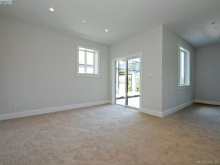 Photo 11: 2035 Rivers Crossing in VICTORIA: Hi Bear Mountain Single Family Detached for sale (Highlands)  : MLS®# 763394