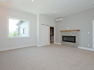 Photo 9: 2035 Rivers Crossing in VICTORIA: Hi Bear Mountain Single Family Detached for sale (Highlands)  : MLS®# 763394
