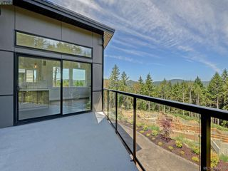 Photo 17: 2035 Rivers Crossing in VICTORIA: Hi Bear Mountain Single Family Detached for sale (Highlands)  : MLS®# 763394