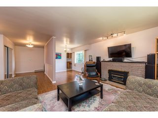 Photo 4: 919 GATENSBURY Street in Coquitlam: Harbour Chines House for sale : MLS®# R2188972