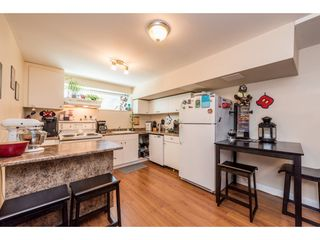 Photo 16: 919 GATENSBURY Street in Coquitlam: Harbour Chines House for sale : MLS®# R2188972