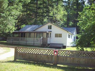 Photo 2: 22200 TRANS CANADA HIGHWAY in Hope: Hope Center House for sale : MLS®# R2193371