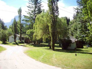 Photo 1: 22200 TRANS CANADA HIGHWAY in Hope: Hope Center House for sale : MLS®# R2193371