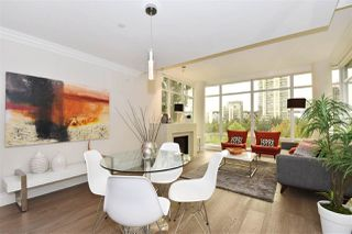 "Photo 5: 603 428 BEACH Crescent in Vancouver: Yaletown Condo for sale in ""Kings Landing"" (Vancouver West)  : MLS®# R2202803"