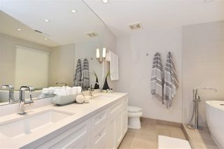 "Photo 11: 603 428 BEACH Crescent in Vancouver: Yaletown Condo for sale in ""Kings Landing"" (Vancouver West)  : MLS®# R2202803"
