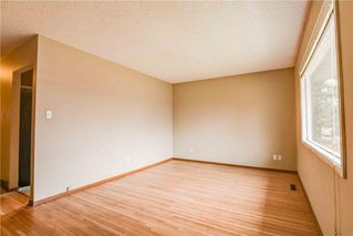 Photo 3: 930 16 Street NE in Calgary: Mayland Heights House for sale : MLS®# C4141621