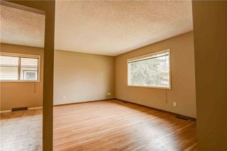 Photo 4: 930 16 Street NE in Calgary: Mayland Heights House for sale : MLS®# C4141621