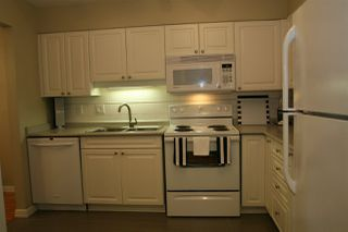 "Photo 14: 219 9626 148 Street in Surrey: Guildford Condo for sale in ""HARTFORD WOODS"" (North Surrey)  : MLS®# R2220302"