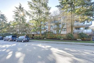 "Photo 1: 401 1066 E 8TH Avenue in Vancouver: Mount Pleasant VE Condo for sale in ""LANDMARK CAPRICE"" (Vancouver East)  : MLS®# R2247340"