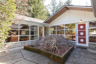 Photo 3: 5715 Old West Saanich Rd in VICTORIA: SW West Saanich House for sale (Saanich West)  : MLS®# 781269