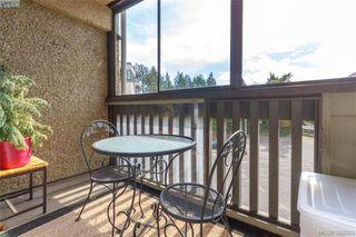 Photo 16: 306 1525 Hillside Avenue in VICTORIA: Vi Oaklands Condo Apartment for sale (Victoria)  : MLS®# 389283