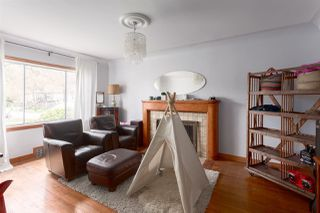 Photo 3: 6102 WINDSOR Street in Vancouver: Fraser VE House for sale (Vancouver East)  : MLS®# R2254483