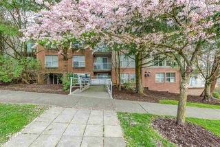 Photo 3: 301 4181 NORFOLK Street in Burnaby: Central BN Condo for sale (Burnaby North)  : MLS®# R2258137