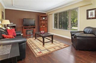 Photo 3: 16 Amarynth Crescent in Winnipeg: Crestview Residential for sale (5H)  : MLS®# 1815278