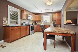 Photo 5: 16 Amarynth Crescent in Winnipeg: Crestview Residential for sale (5H)  : MLS®# 1815278