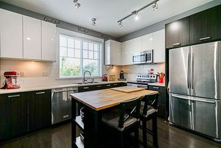 """Photo 4: 10 6450 187 Street in Surrey: Cloverdale BC Townhouse for sale in """"Hillcrest"""" (Cloverdale)  : MLS®# R2288599"""