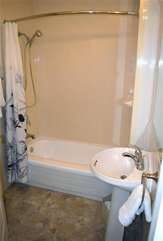 Photo 7: 604 Cathedral Avenue in Winnipeg: Sinclair Park Residential for sale (4C)  : MLS®# 1830434