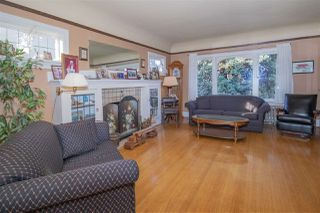 Photo 3: 2496 TRINITY Street in Vancouver: Hastings East House for sale (Vancouver East)  : MLS®# R2332097
