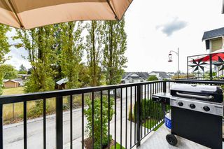 "Photo 11: 32 19752 55A Avenue in Langley: Langley City Townhouse for sale in ""Marquee"" : MLS®# R2334999"