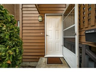 "Photo 2: 405 CARDIFF Way in Port Moody: College Park PM Townhouse for sale in ""EASTHILL"" : MLS®# R2335837"