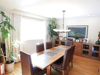 Photo 5: 52 VALLEYVIEW Crescent in Edmonton: Zone 10 House for sale : MLS®# E4143795