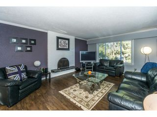 Photo 3: 20304 49A Avenue in Langley: Langley City House for sale : MLS®# R2341429
