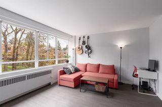 """Photo 7: 603 1445 MARPOLE Avenue in Vancouver: Fairview VW Condo for sale in """"HYCROFT TOWERS"""" (Vancouver West)  : MLS®# R2361588"""