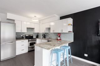 """Photo 3: 603 1445 MARPOLE Avenue in Vancouver: Fairview VW Condo for sale in """"HYCROFT TOWERS"""" (Vancouver West)  : MLS®# R2361588"""