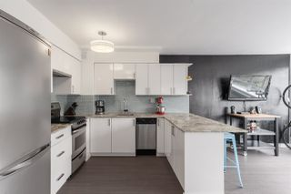 """Photo 2: 603 1445 MARPOLE Avenue in Vancouver: Fairview VW Condo for sale in """"HYCROFT TOWERS"""" (Vancouver West)  : MLS®# R2361588"""