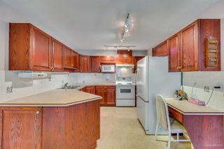 """Photo 11: 205 13888 70 Avenue in Surrey: East Newton Townhouse for sale in """"Chelsea Gardens"""" : MLS®# R2369176"""