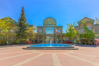"""Photo 6: 205 13888 70 Avenue in Surrey: East Newton Townhouse for sale in """"Chelsea Gardens"""" : MLS®# R2369176"""