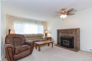 Photo 3: 2564 Selwyn Road in VICTORIA: La Mill Hill Single Family Detached for sale (Langford)  : MLS®# 410731