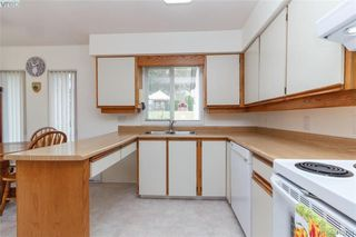 Photo 7: 2564 Selwyn Road in VICTORIA: La Mill Hill Single Family Detached for sale (Langford)  : MLS®# 410731