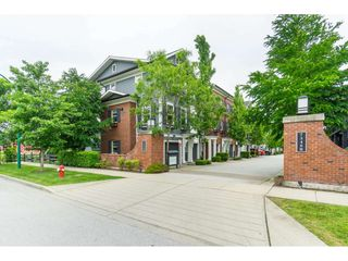 "Photo 2: 16 7348 192A Street in Surrey: Clayton Townhouse for sale in ""The Knoll"" (Cloverdale)  : MLS®# R2373983"