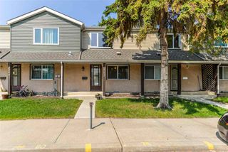 Photo 1: 2582 138A Avenue in Edmonton: Zone 35 Townhouse for sale : MLS®# E4159268