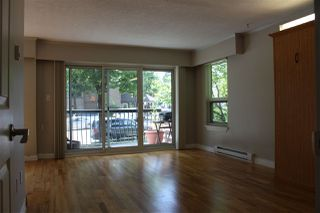 Photo 5: 205 813 E BROADWAY in Vancouver: Mount Pleasant VE Condo for sale (Vancouver East)  : MLS®# R2376476