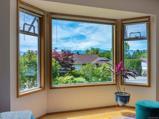 Photo 4: 2070 GULL Avenue in COMOX: CV Comox (Town of) House for sale (Comox Valley)  : MLS®# 817465